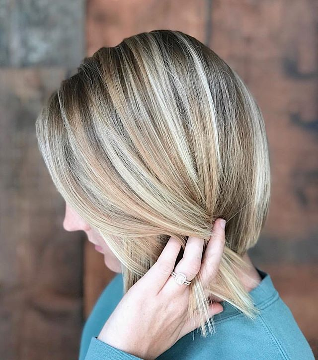 H I G H L I G H T E D & ready for summer. For that crisp cut and beautiful color schedule with @katekonshair | Imagine You (916)444-7474 #space07salon #sacramentohairstylist • • • • #Repost @katekonshair d u s t y ✨ #space07salon #blondehair #highlights #bayalage