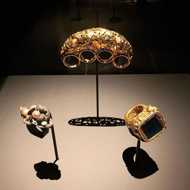 Just caught this exhibit right before closing at the Met. Amazing range of works from all over the world, from ancient to contemporary all in one place. #jewelrythebodytransformed #metropolitanmuseumofart #inspiration