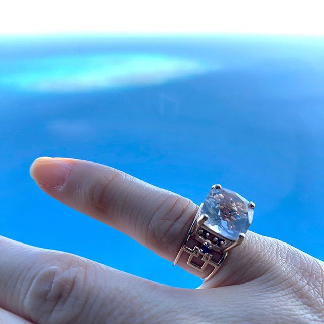 My travel companion for the trip. Checker Ring in 18K Pink Gold with Crystal Quartz and Sapphire.  #tomokoigarashijewelry #18kgold #pinkgold #sapphire #cairns #greatbarrierreef #shadesofblue #blue