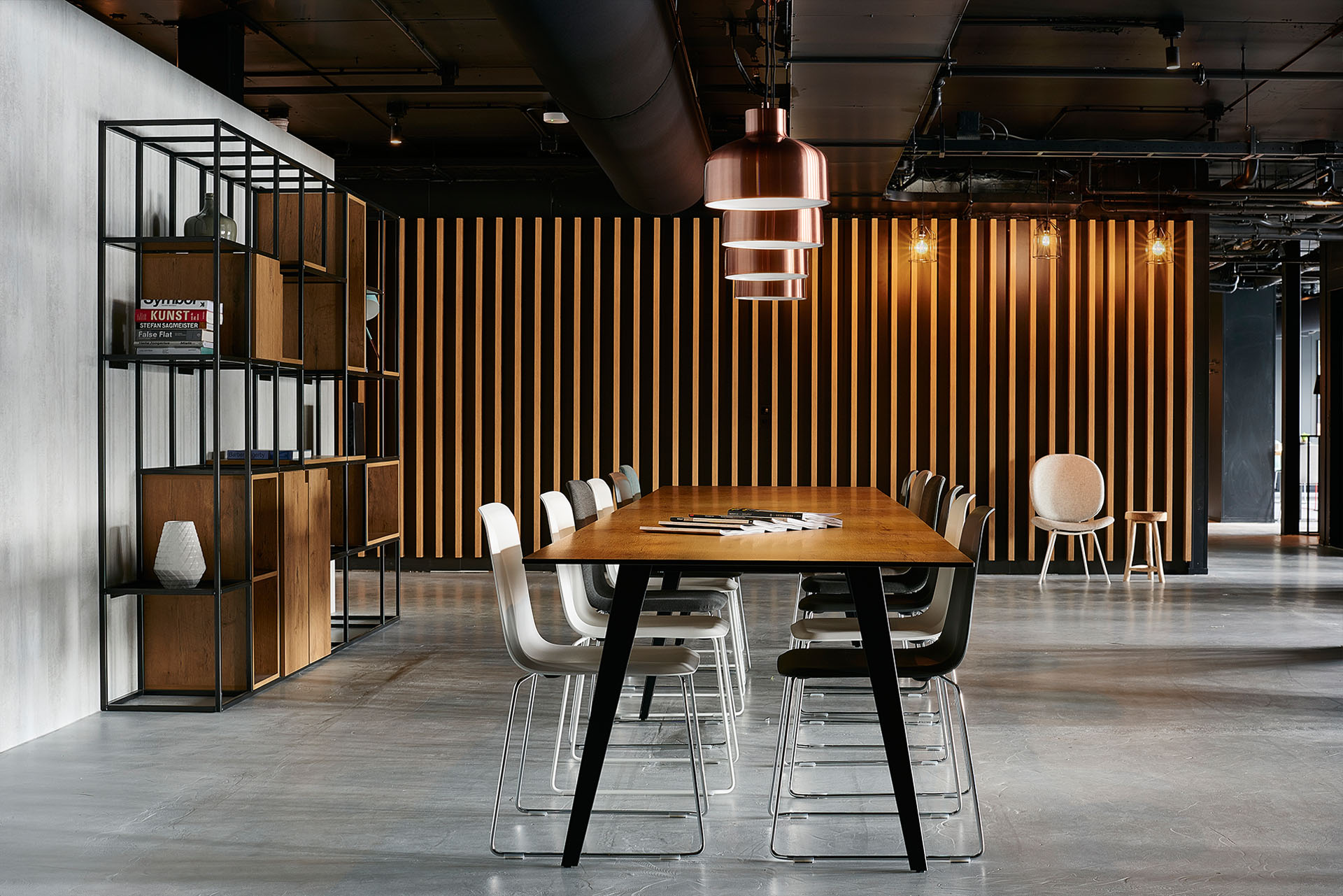 Reading table / We were looking for the right blend of industrial and natural. Showing the construction and sturdiness of the building and combining it with elements, materials and textures that make you feel right at home.