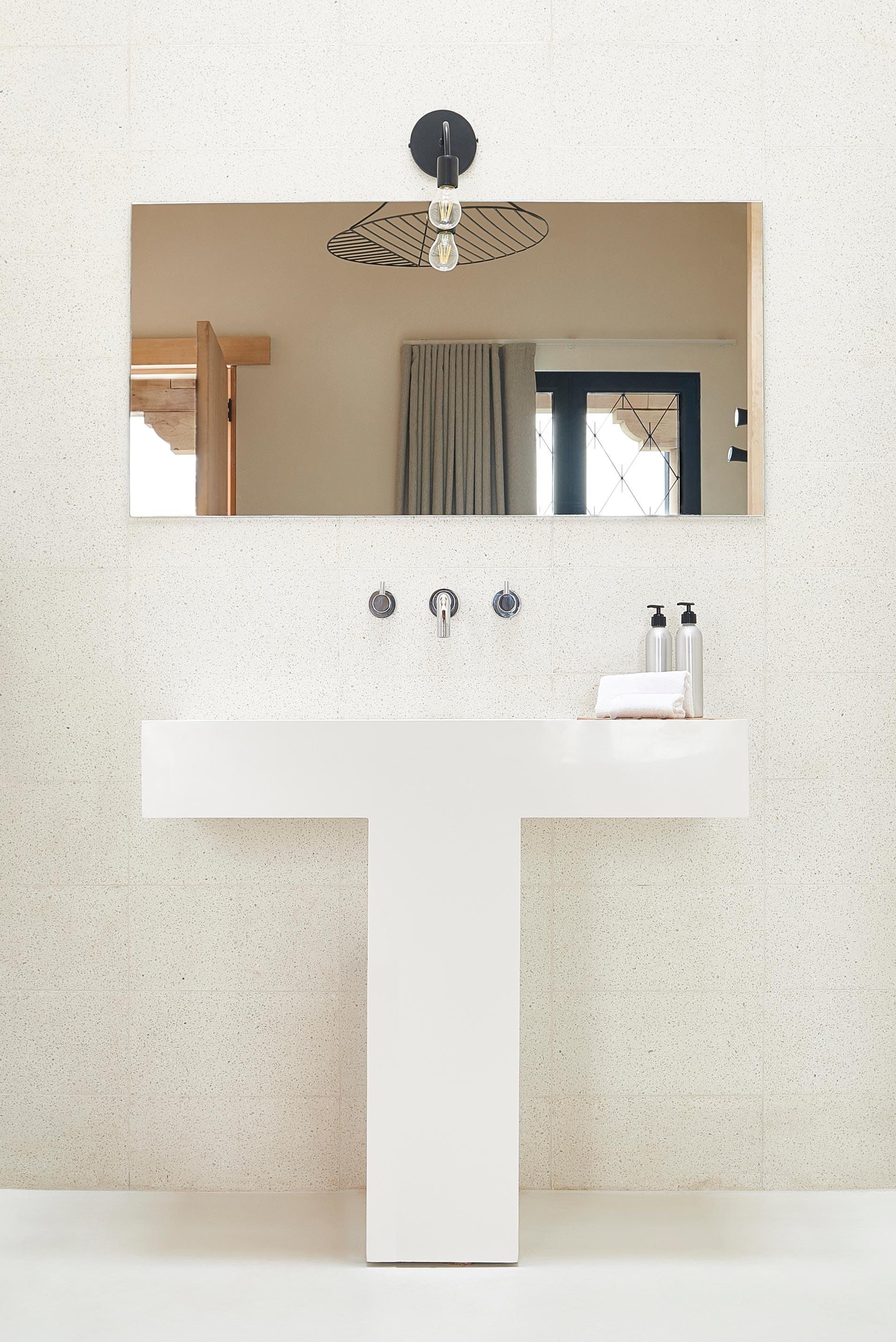 Icon / Signature design piece in the ensuite bathroom.