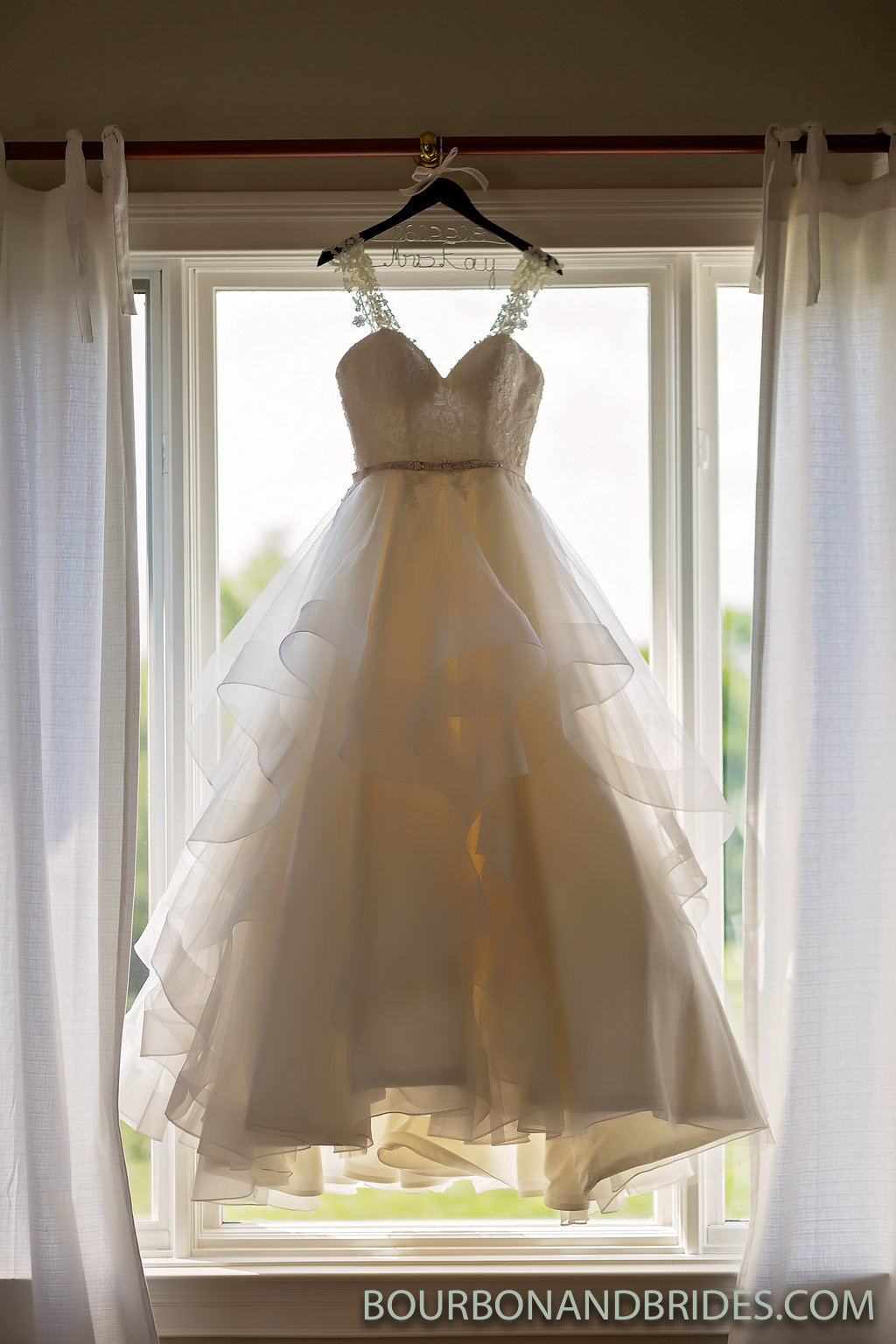 Wedding-Dress-Lexington-Kentucky.jpg