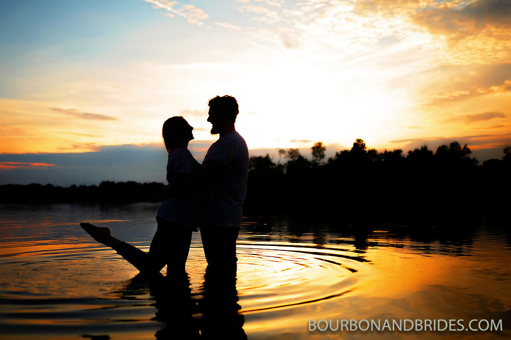 lake-sunset-jacobson-park-engagement.jpg