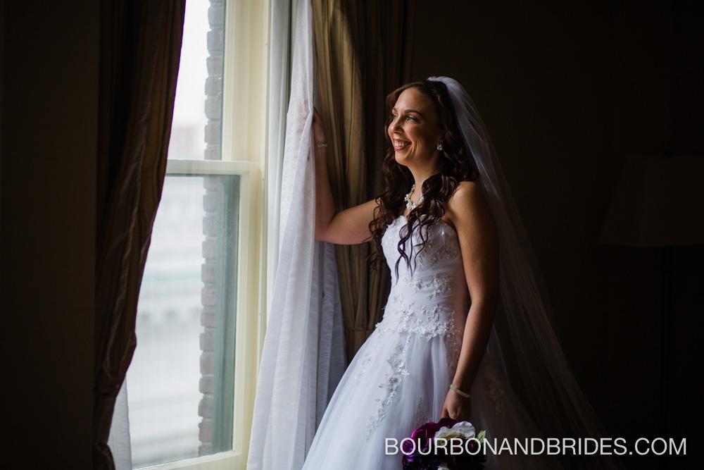 Louisville-wedding-seelbach-bride.jpg