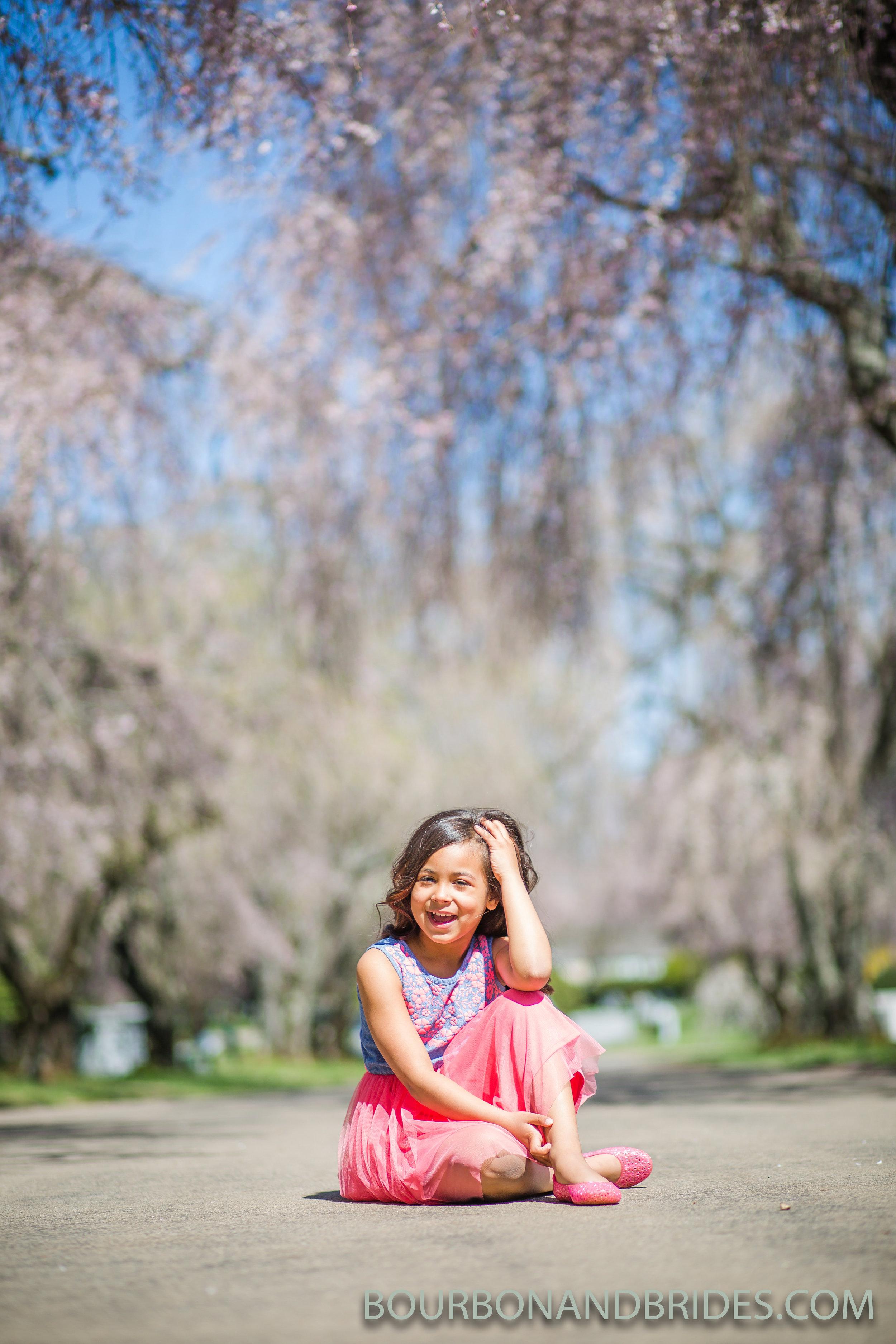 cherry-blossoms-spring-children-portraits.jpg