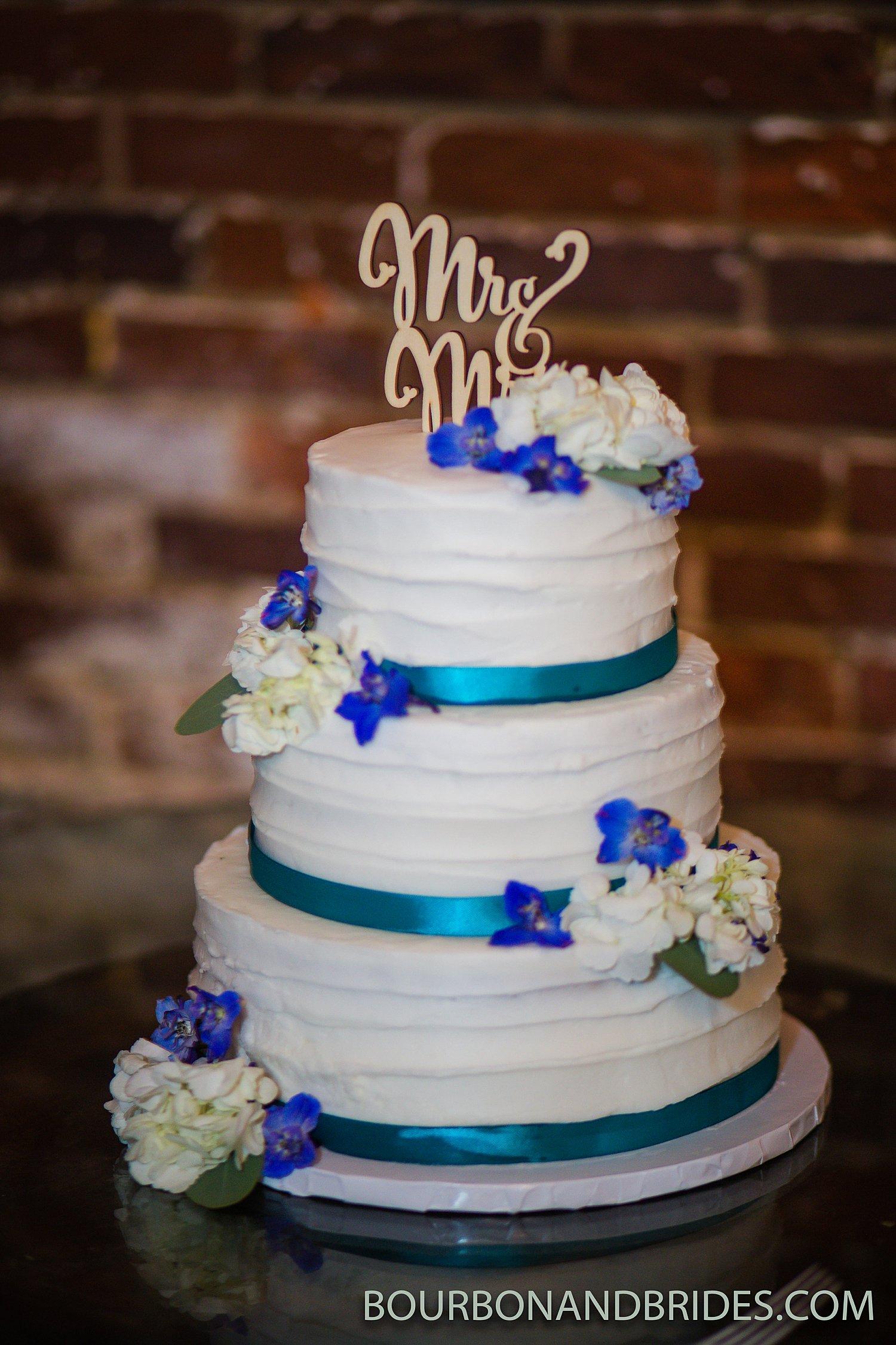 Lexington-Kentucky-wedding-the-cake-lady.jpg