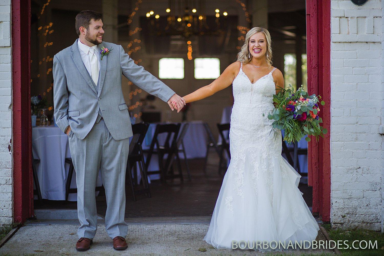 Round-Barn-Wedding-Lexington_0006.jpg