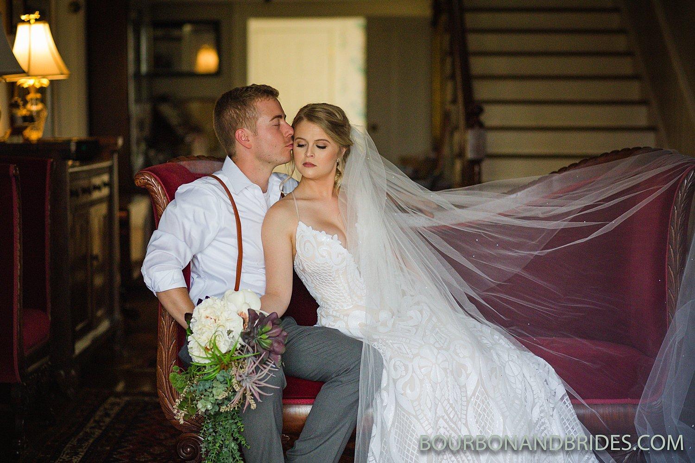 Kentucky-wedding-photography-forest-retreat_0001.jpg