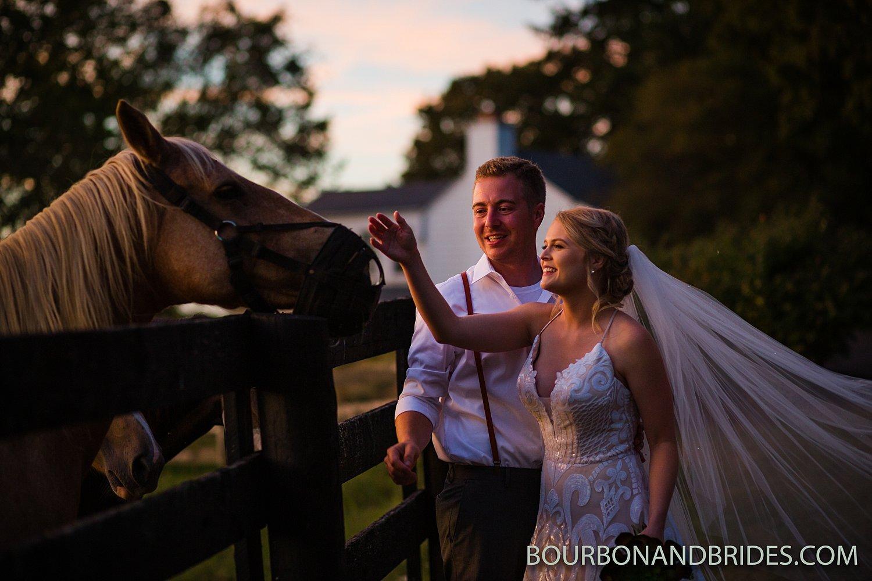 Kentucky-wedding-photography-forest-retreat_0012.jpg