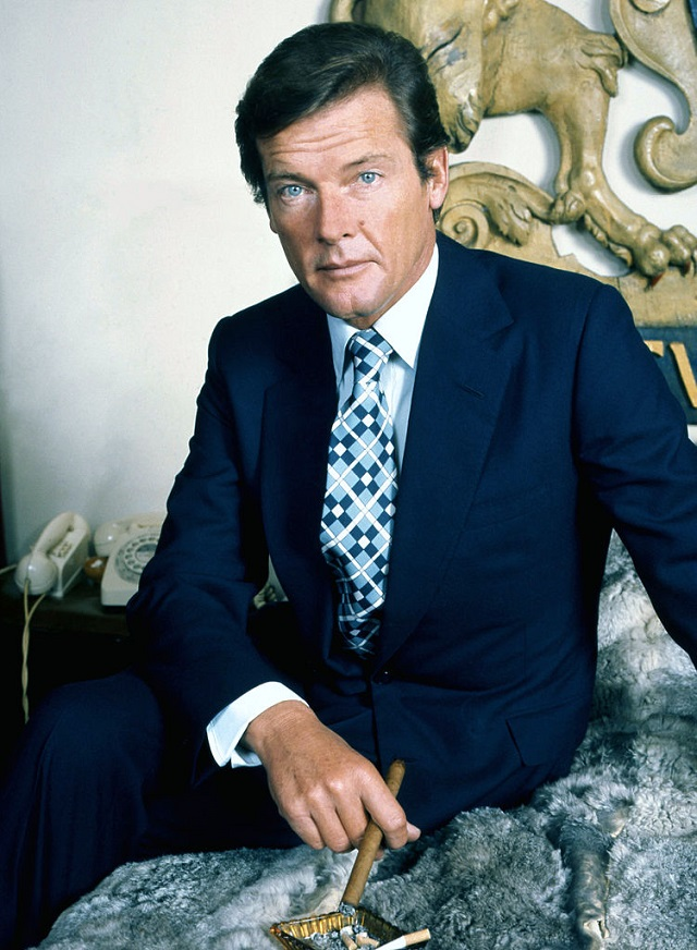 Close, but no cigar: Roger Moore. C.C. Image: Allan Warren on Wikimedia Commons.
