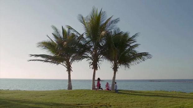 kaec-film-family-beach.jpg