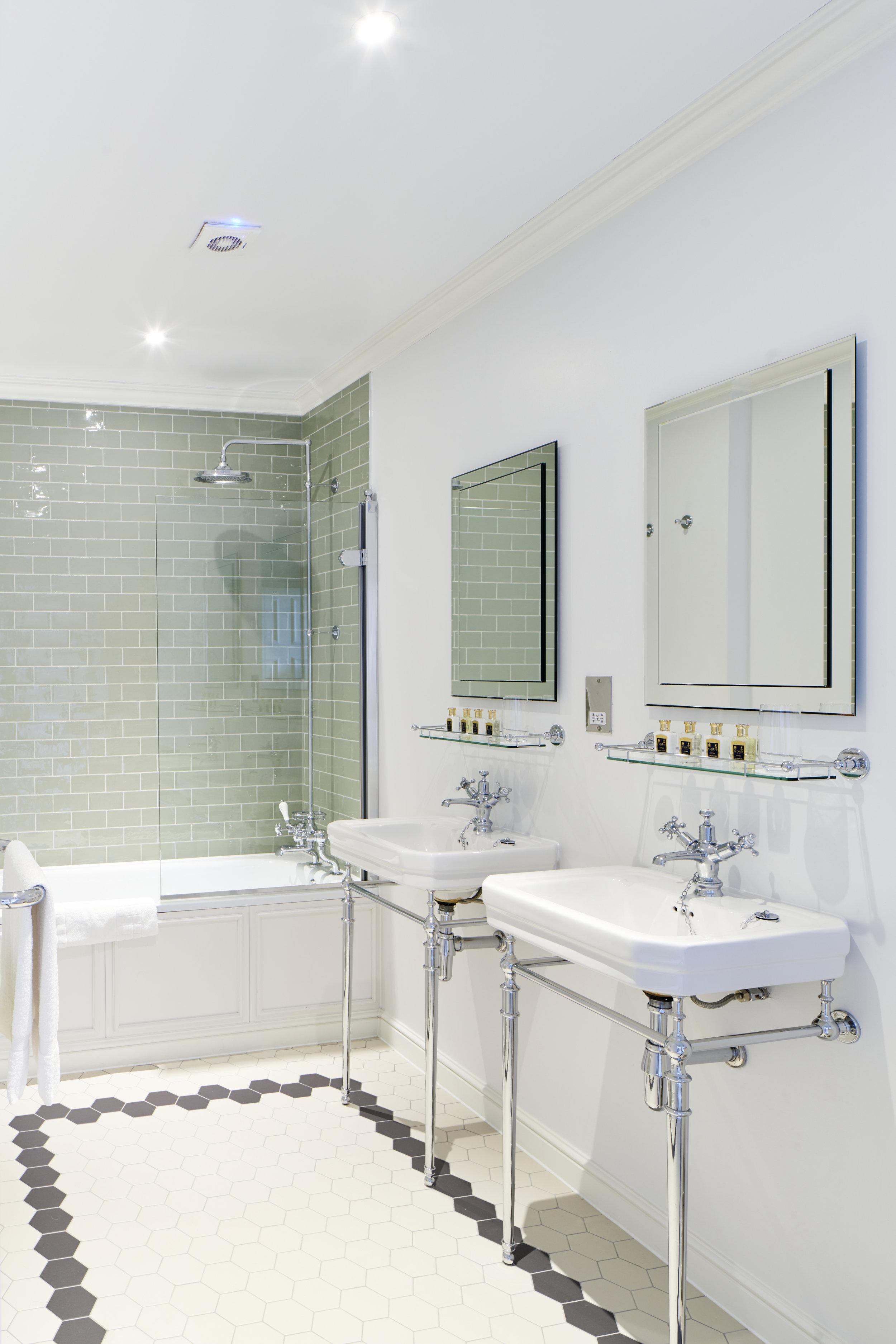 Bathroom 1 Hedsor House - Dominic James.jpg