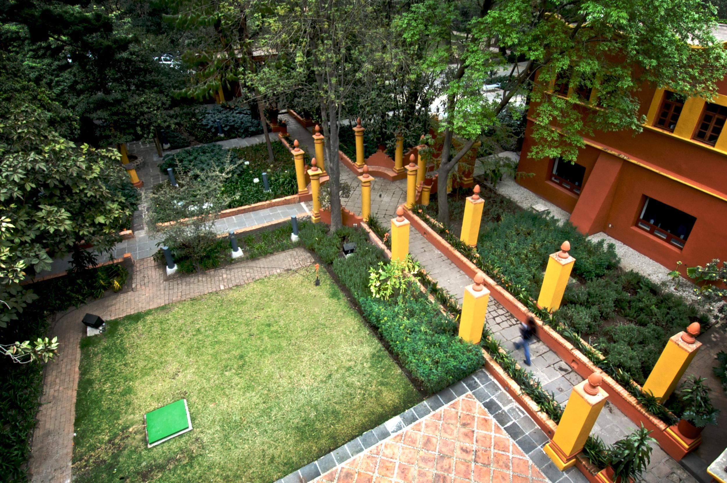 Jardin Fonoteca 2008 3 (1 of 48).png