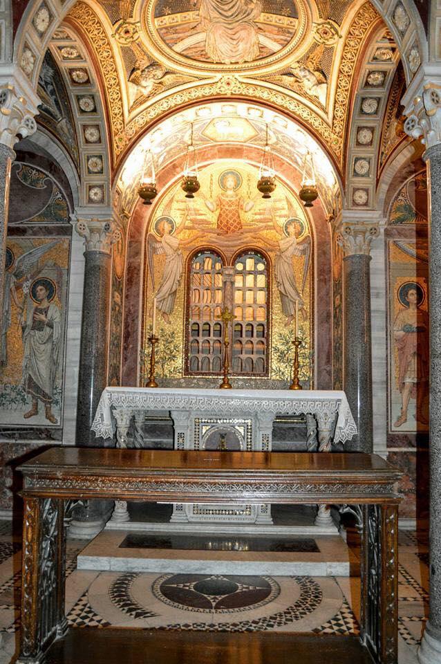 Santa Cecilia Trastevere 1.jpg