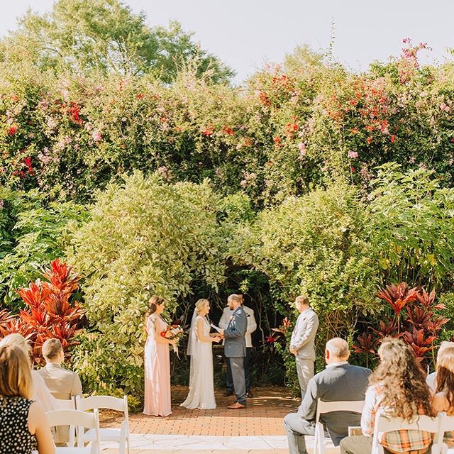 """From our bride Wendy - """"Alexa was awesome! Hiring a coordinator was the only real disagreement my now-husband and I had during the wedding planning process. After much back-and forth, research and a Facebook vote, we decided to hire Long Aisle Events. My husband and I agreed it was one of the best decisions we made. From gathering wedding details, vendor information, coordinating schedules, ordering linens, proposing timelines, setting up reception, checking in with me, fielding all my questions, and most importantly, fielding every one else's questions on the day-of so that I could truly enjoy one of the best days of my life, Alexa came through. Do yourself and favor and hire her!"""" Photo @rachelhand // Floral @thicketcreative // Cake @handsonsweets"""