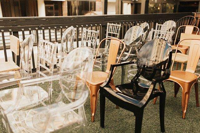 Chiavari, tolix, ghost, circle back - so many speciality  chairs to choose from!  Which one are you using for your wedding? Photo @ardencyandarrowco . . . . . weddingdesign #tampawedding #tampaweddingplanner #tampaweddingcoordinator #stpetewedding #stpeteweddingplanner #stpeteweddingcoordinator #weddingideas #weddingceremony #weddingceremonydesign #weddingceremonyideas #uniquewedding #weddinginspiration #weddingchairs #tolixchair #Chiavarichair #ghostchair