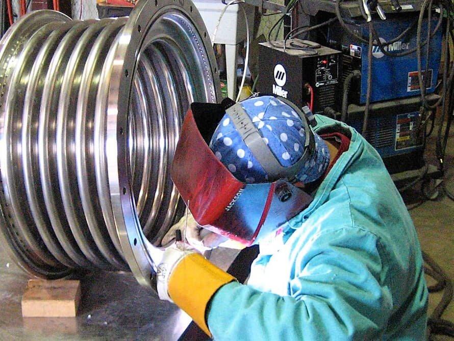 003-Alloy-625-metal-bellows-expansion-joint - Oakridge Bellows.jpg