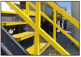 模制和突出的楼梯踏板有两种树脂系统:聚酯和乙烯基酯。还提供标准尺寸和定制尺寸。