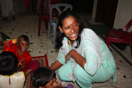 Acid attacks survivors in Bangladesh (Source: Photograph by Narayan Nath/FCO/Department for International Development). CC-BY-2.0.