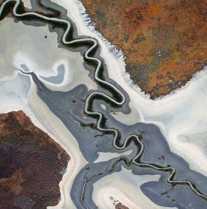 Tidal variations result in a coastal river pattern, Northern Territory. (Taken 2004)
