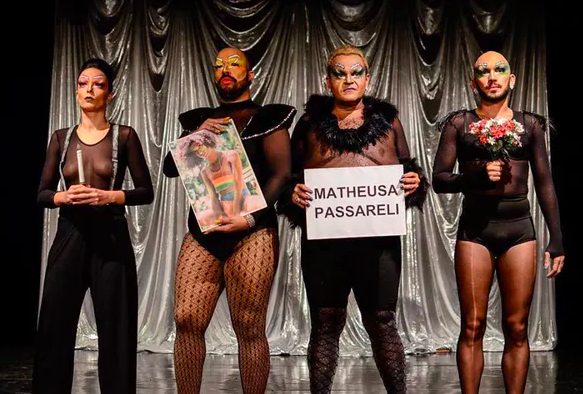 Le Circo de la drag pay tribute to Marielle Franco and Theusa Passareli. Marianna Cartaxo, Author provided