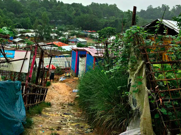 Bangladeshi camps for the Rogingyas are typically overcrowded, unhygienic, muddy and prone to landslides. Rubayat Jesmin, Author provided