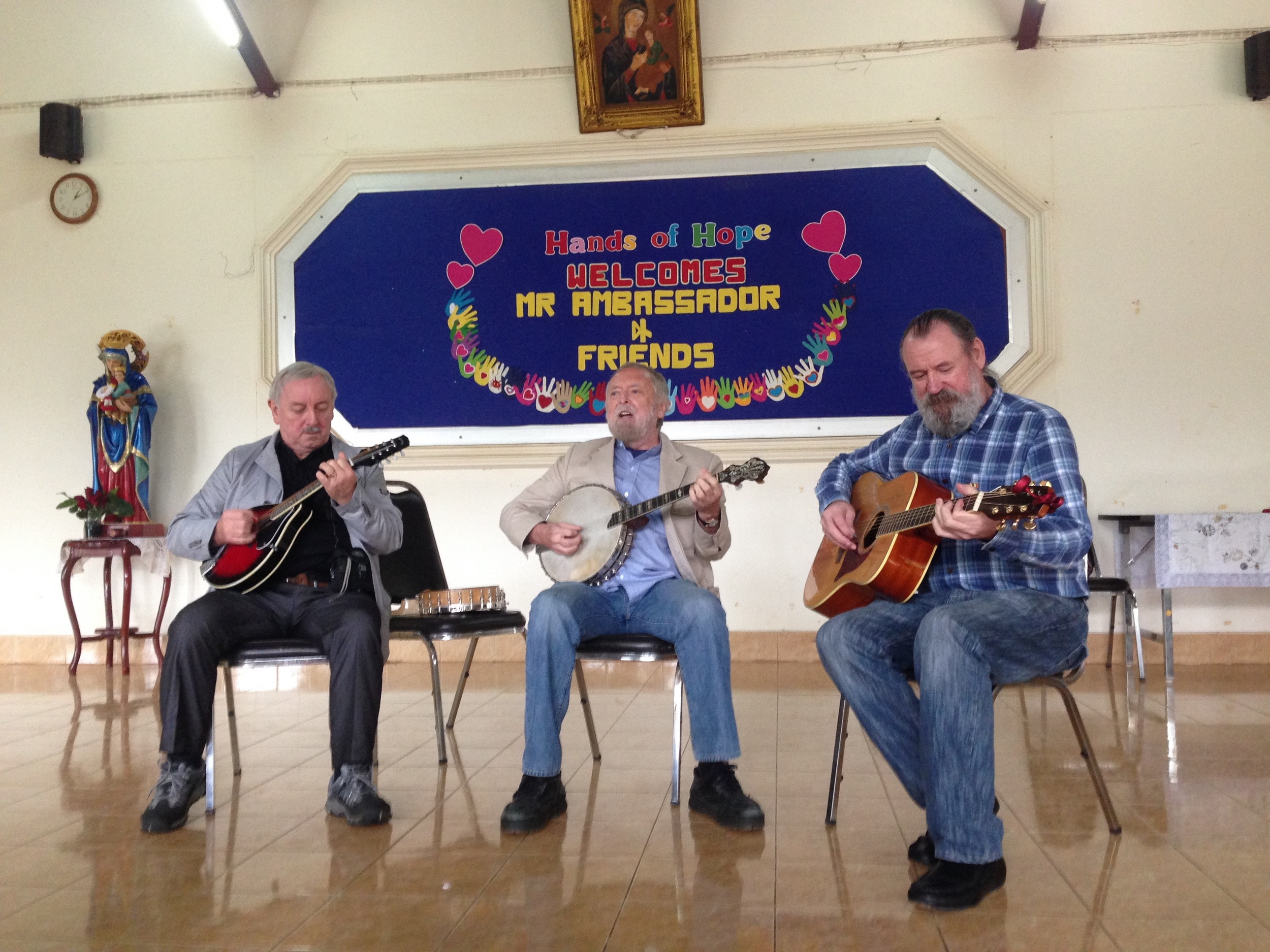 Irish musical visitors - what a treat to hear them play this week!