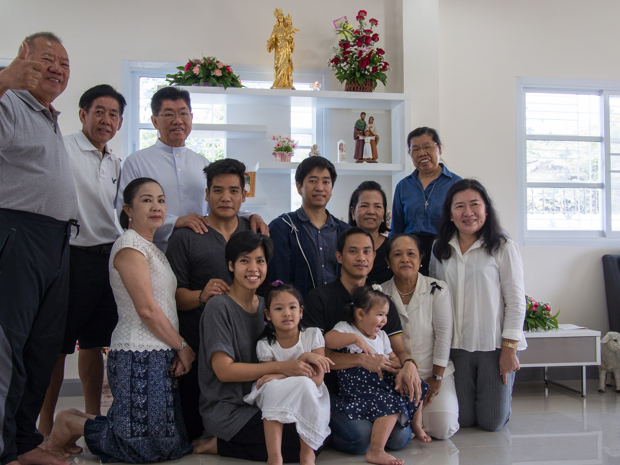Sr. Pranee, her brothers, and Koo Kate's family