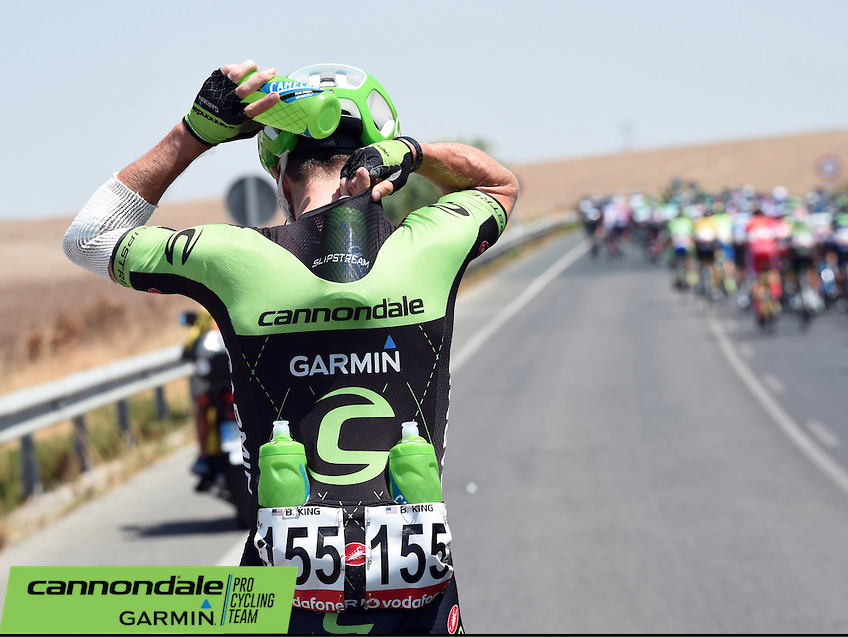 Frequent trips to the car for bottles. Water tastes so good in the Vuelta!