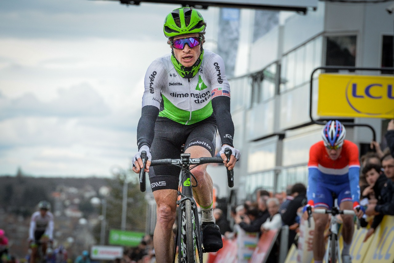 Crossing the finish. photo cred: Mario Stiehl
