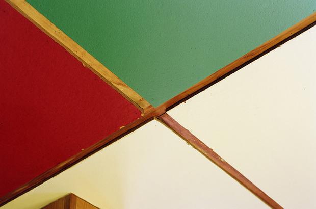 A-Look-Inside-Le-Cabanon-by-Le-Corbusier-3.jpg