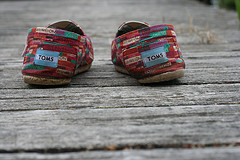 Toms can you heel me? ( Flickr )