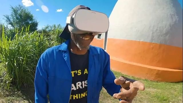 The legendary Mkhize re-living the Langbos Domes construction in virtual reality! Mkhize worked on the Langbos superadobe construction from day one alongside his daughter, grandson, and dozens of other Langbos community members.  So grateful for his work and the chance to step back into this project! . . . . . @gopro @goproza @oculus @designindaba #gopro #VR #immersiveexperience #immersiveart #immersivemedia #virtualreality #designlovers #checkoutafrica #inspirationdaily #naturalbuilding #superadobe #oculusgo #vrforgood #designindaba