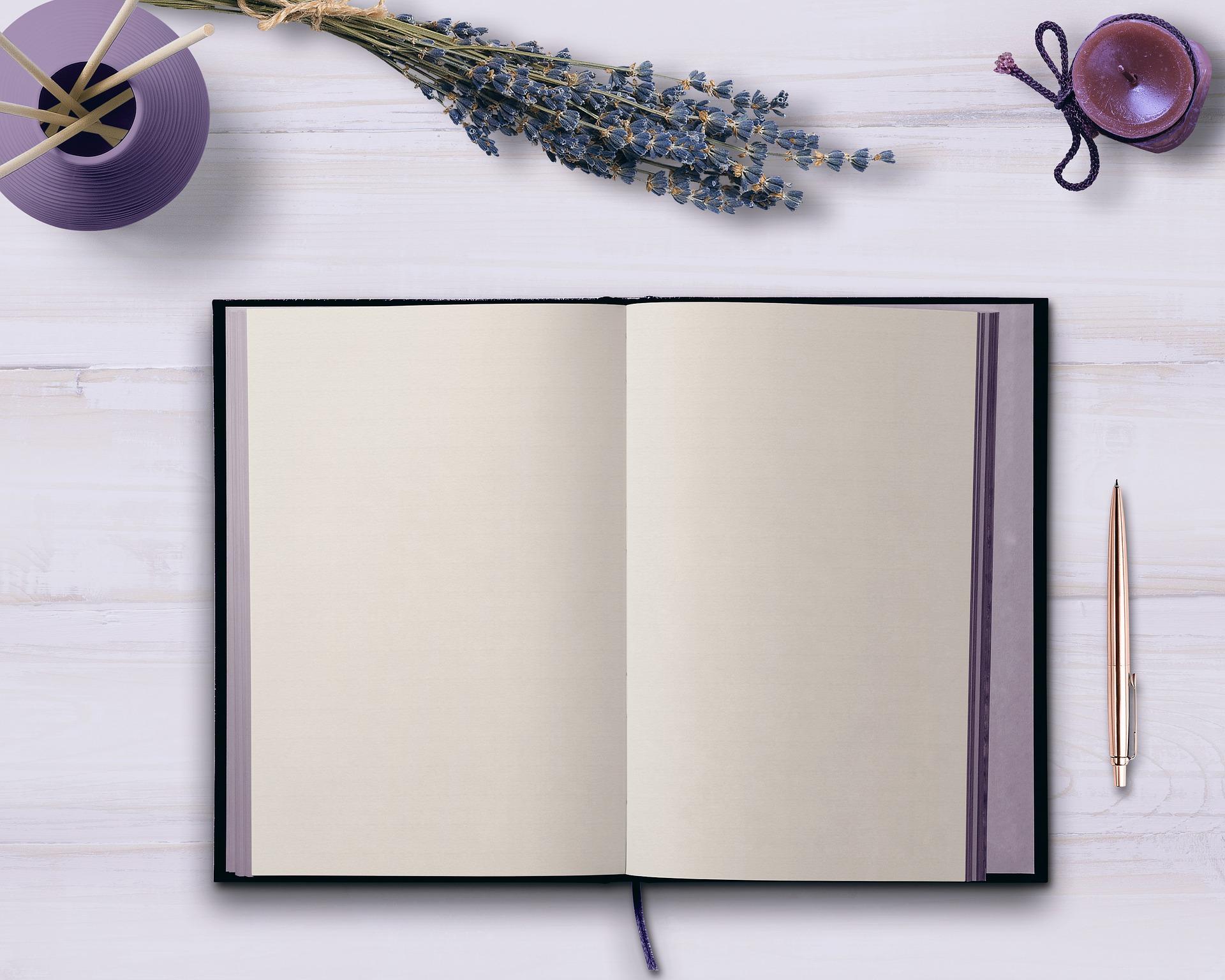 diary-3299128_1920.jpg
