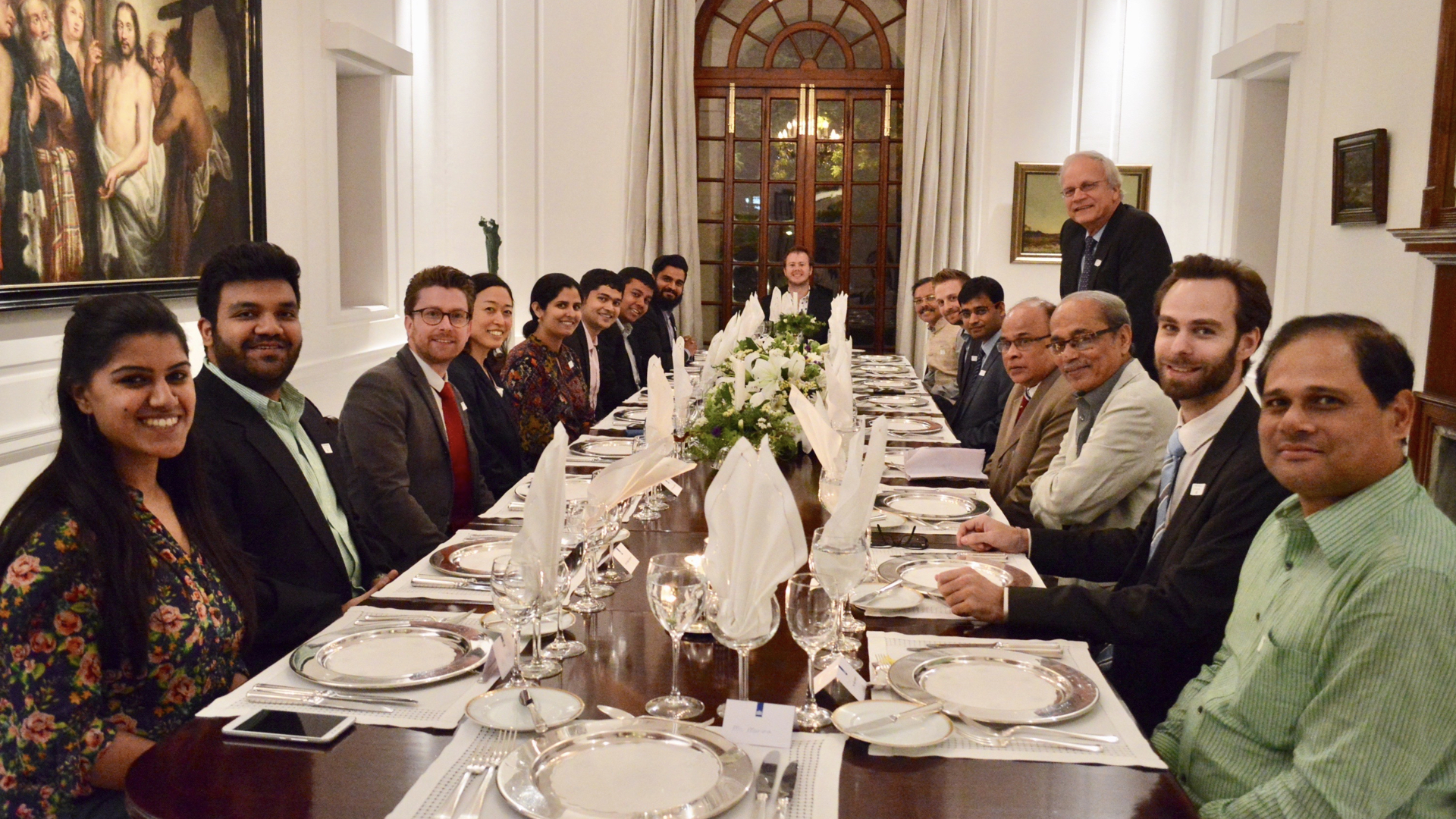 The dinner gave floor to an energetic discussion on whether and how to transform the rural Indian energy market. Rural Spark proposes a more sevrice centered market approach, allowing for a reliable solution for continious acces to energy.