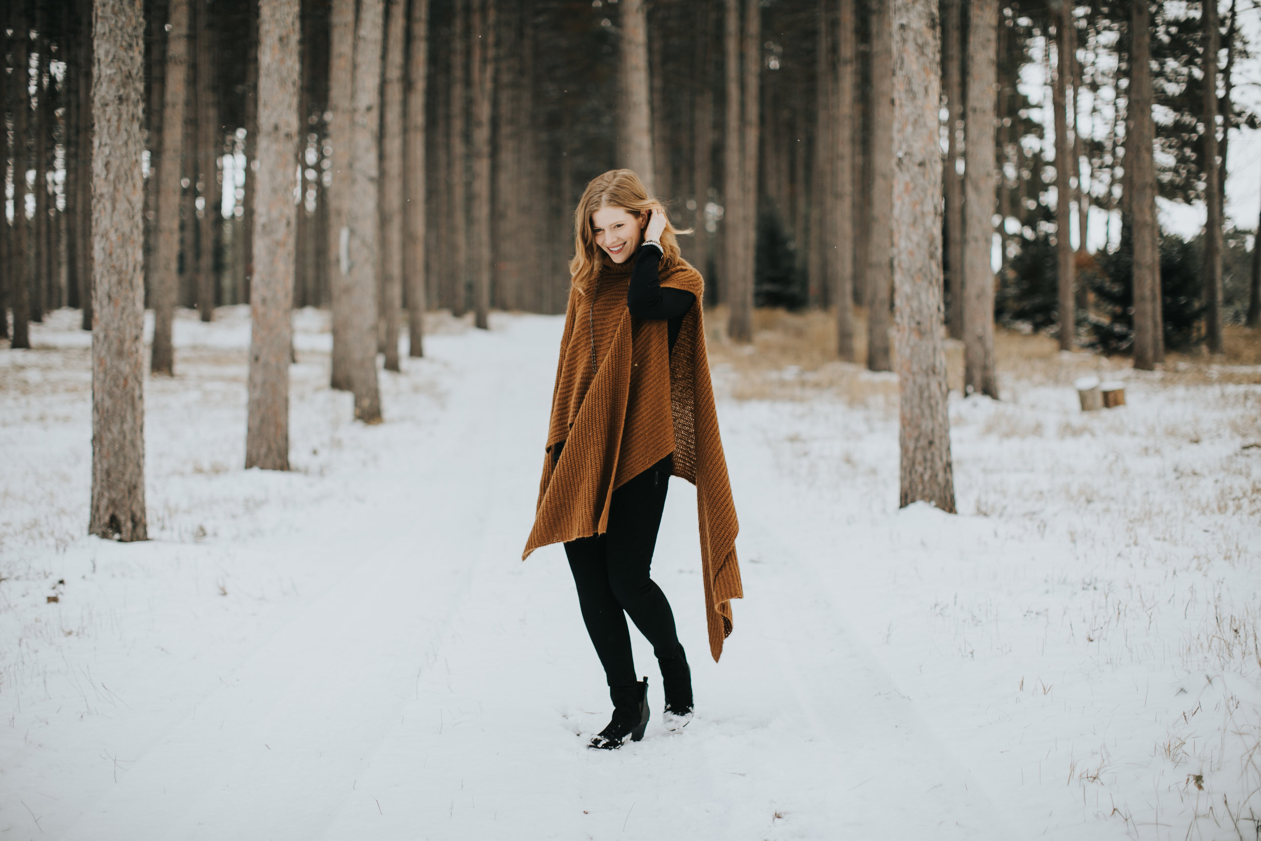 MainstreamBoutique-2018-Holiday-Russell-Heeter-Photography-28.jpg