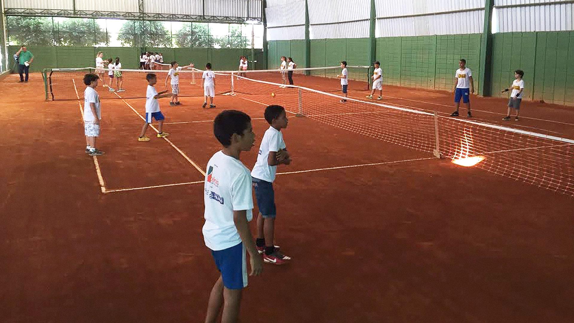 And most importantly: - more than 20 children with brand new racketsat the Instituição Educando com Tênis.