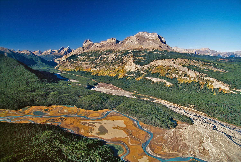 Aerial photo of Saskatchewan River, Alberta