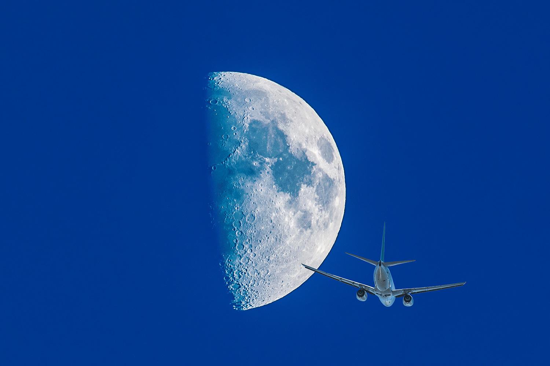 737-tail-end-half-moon-comp.jpg