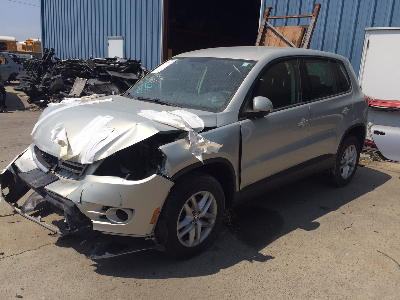 Parting Out 2012 VW Tiguan