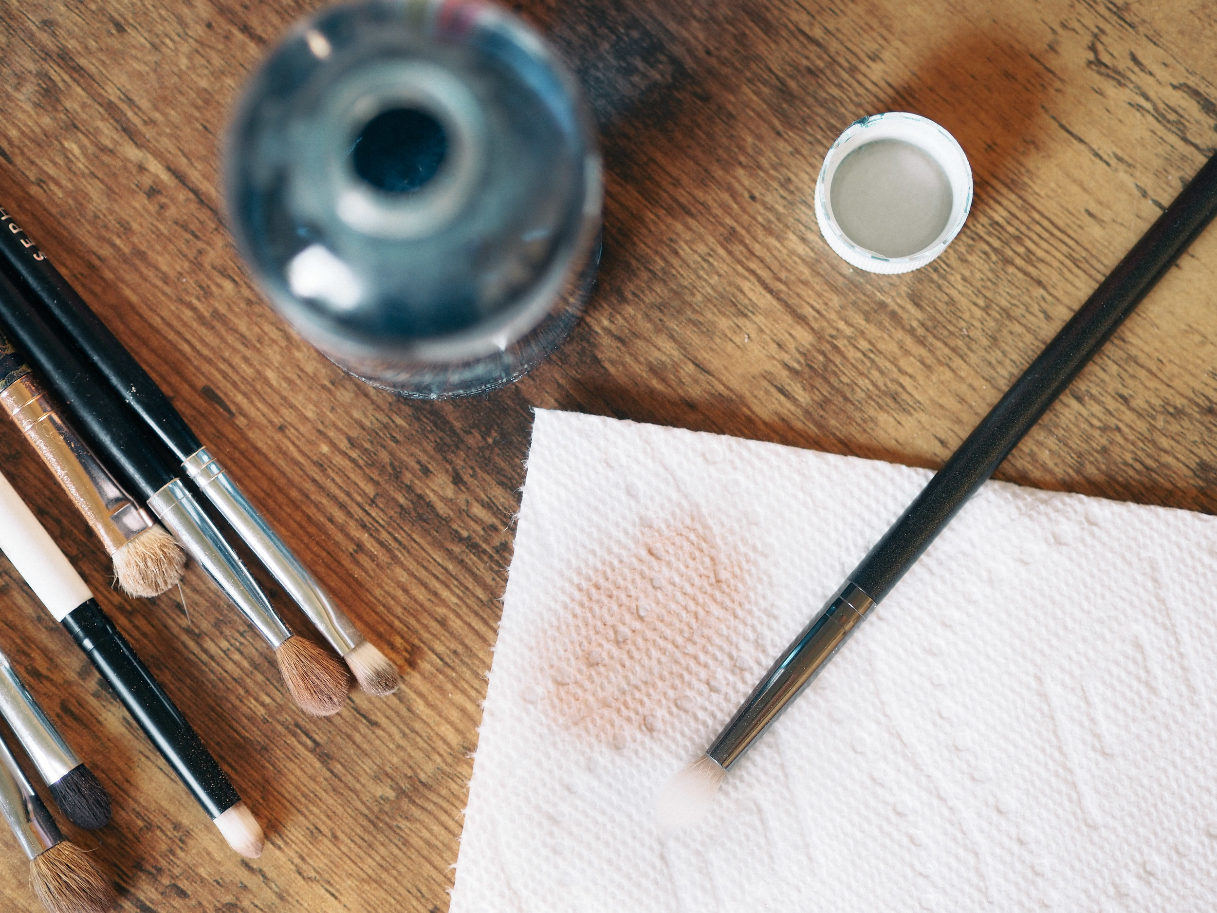 cinema-secrets-makeup-brush-cleaner-review-3.jpg