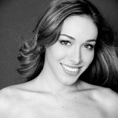 Ana Regina Cuarón - voz