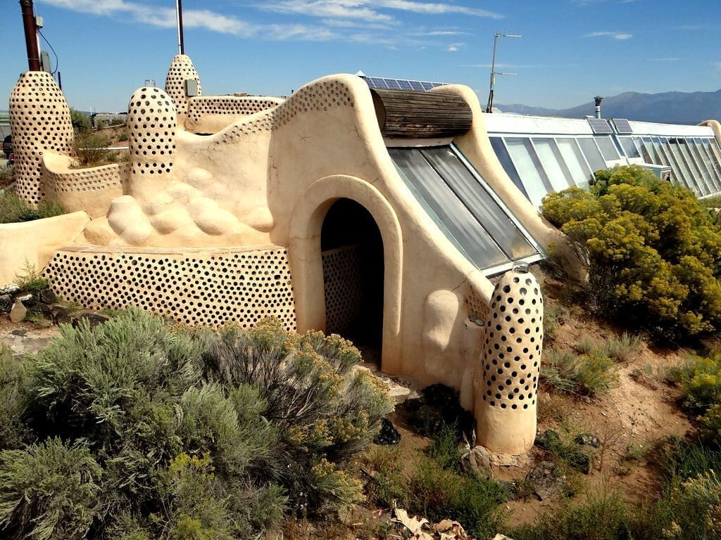 MAIN-earthship8.jpg