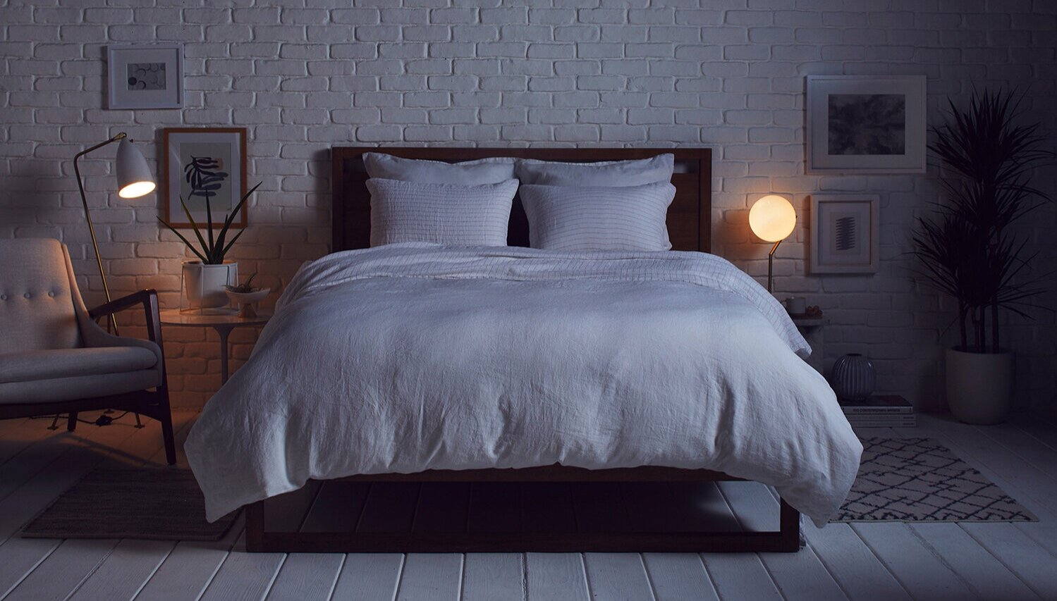 pinstripe-linen-sheet-set-blush-stripe-000-1_NIGHTTIME.jpg