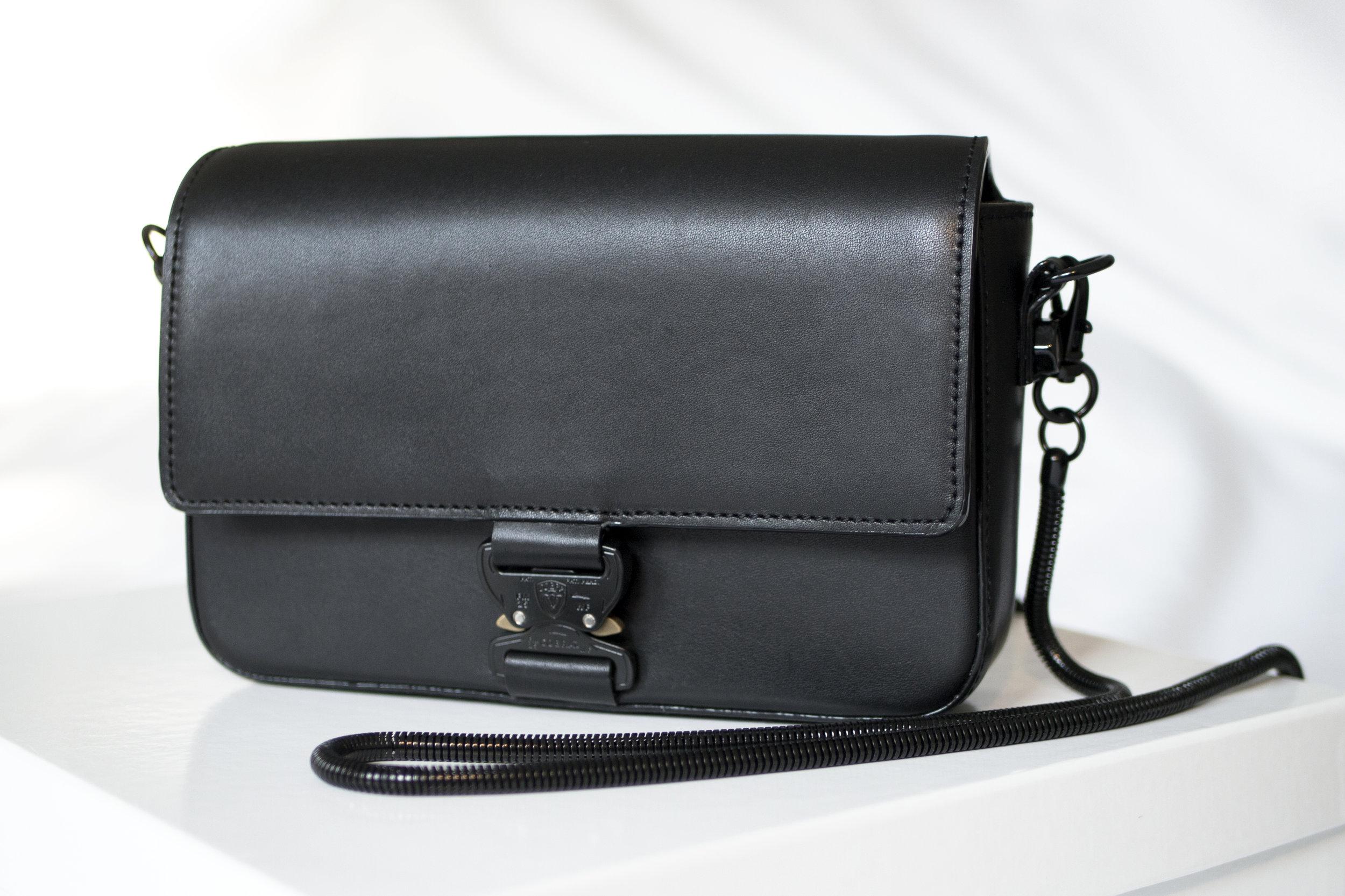 COBRA CROSSBODY BAG (2018)  vegetable tanned leather / AustriAlpin buckle