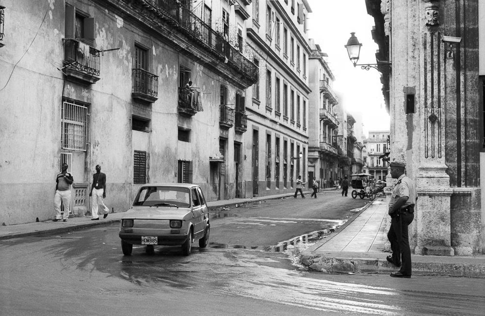 amee-reehal-havana-streets (4 of 9).jpg