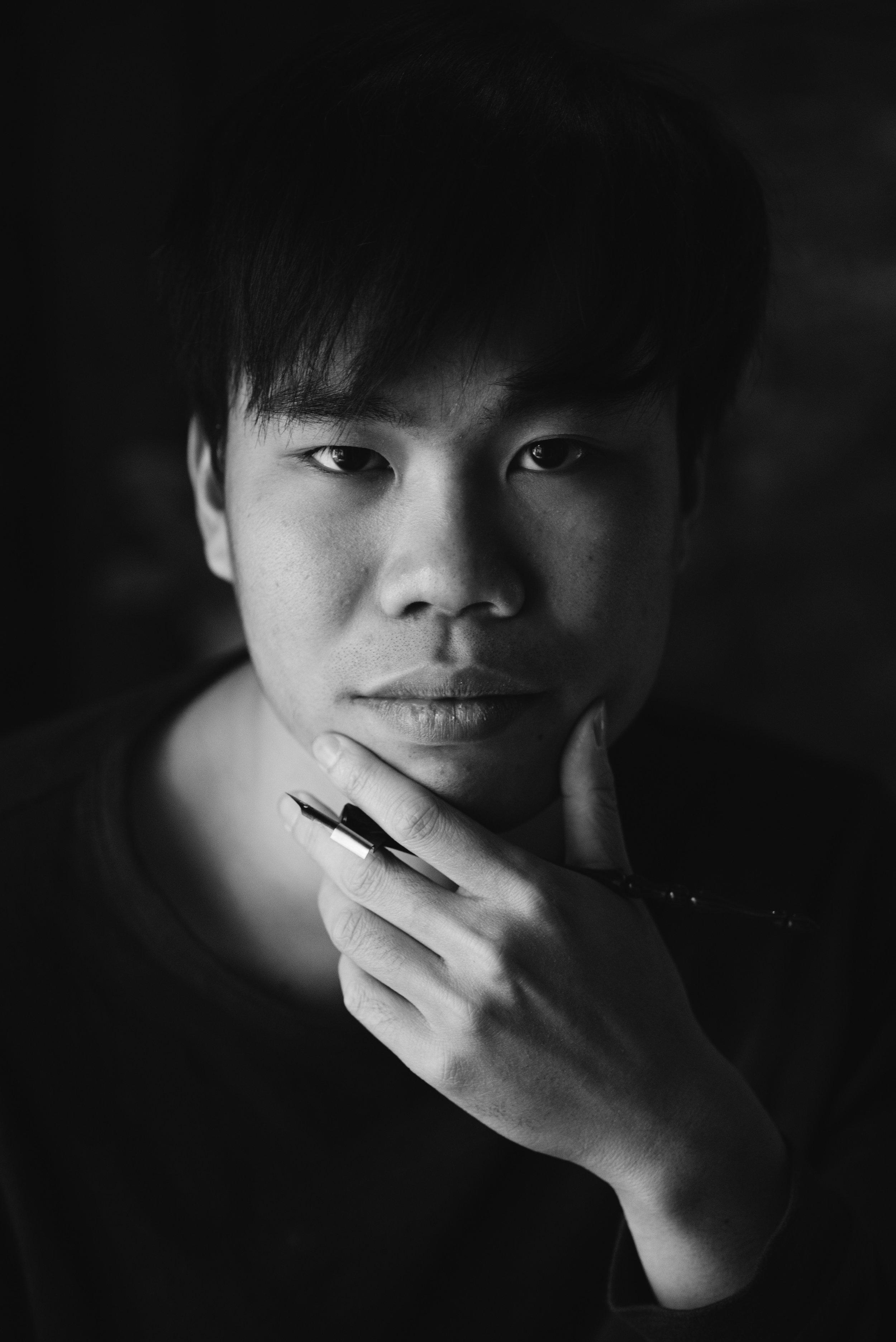 Dao Huy Hoang calligrapher.jpg