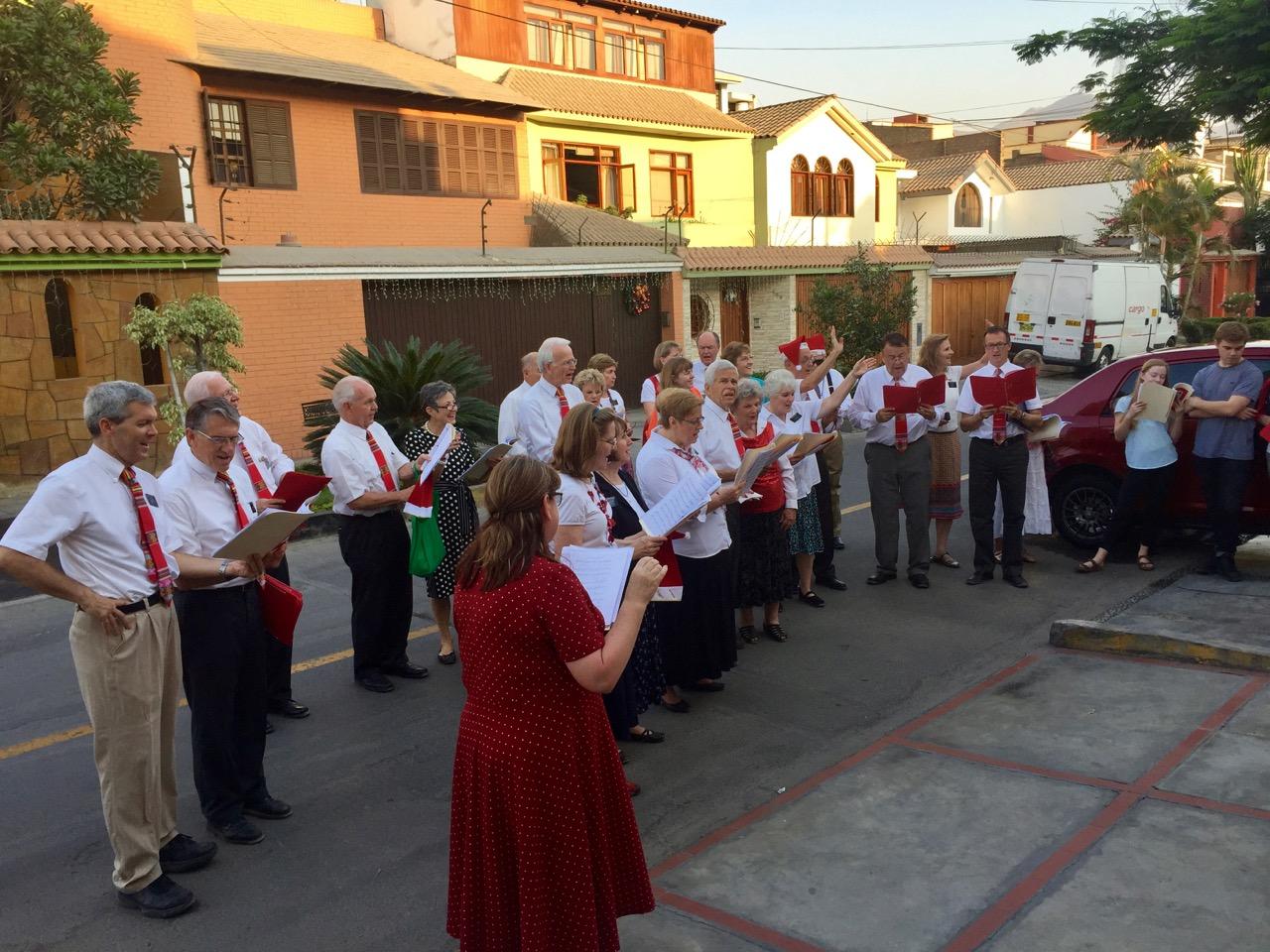 Carol Singing Lima 2016.jpg