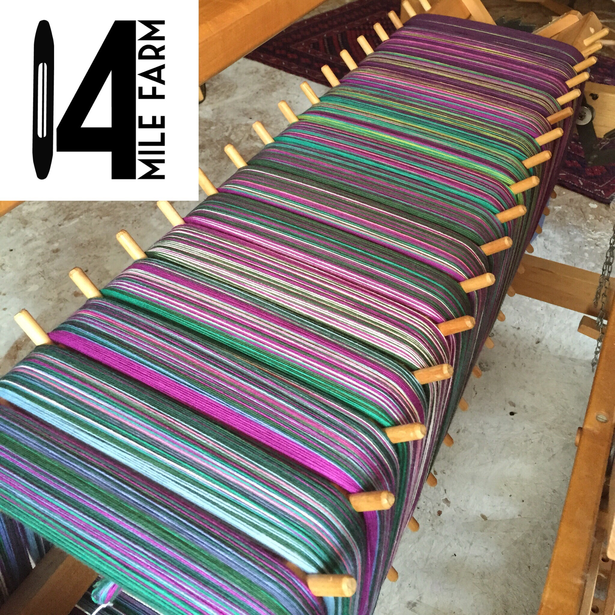 Warping a handwoven baby wrap : Field of Dreams by 14 Mile Farm
