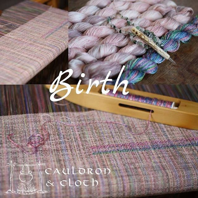 Birth is on the loom at @14milefarm and there's a draw up for the single semi custom spot in our chatter group over on Facebook. #semicustom #wovenwithloveandmagic #cauldronandcloth @cauldronandcloth #handwovenbabywrap #handwovenwrap #babywearingwrap #loomtowrap #l2w @loomtowrap #babywearing #closeenoughtokiss #attachmentparenting  #carrythem #babywearingweaver #visibleandkissable #babywearersofinstagram